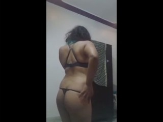 horny indian babe dance